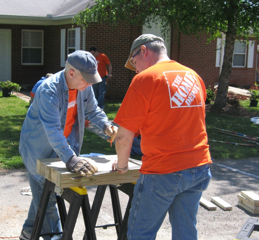 Home Depot volunteers at UMCH