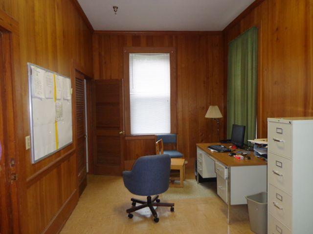 Sam Bell Cottage teen meeting center room 2